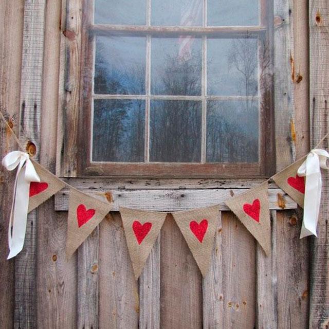 Banderines corazones rojos